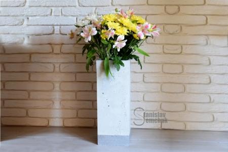 Бетонна ваза